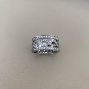 14k white gold & diamond band 6.5